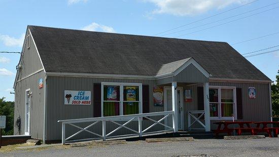 Dobson, NC: Entrance