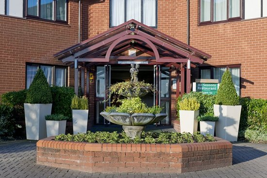Northop, UK: Hotel Main Entrance