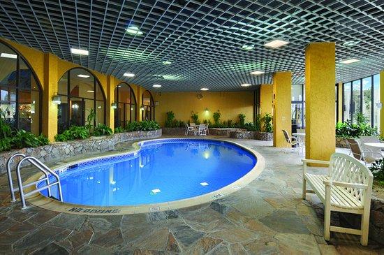 Crowne Plaza Suites Houston Near Sugar Land Desde 316