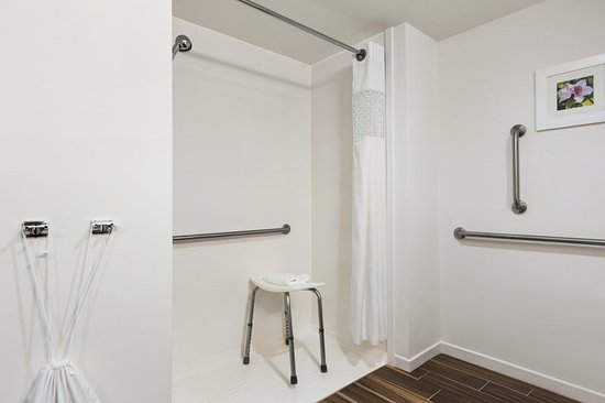 Bartow, Flórida: Roll In Shower