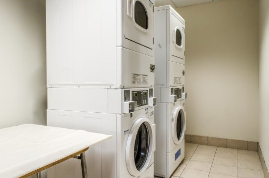 MainStay Suites: Laundry