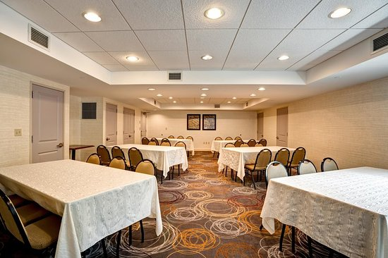 Eatontown, NJ: Conference Room