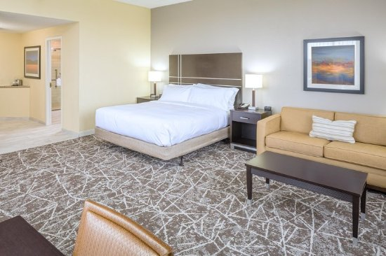 Rockland, MA: One King Deluxe Room
