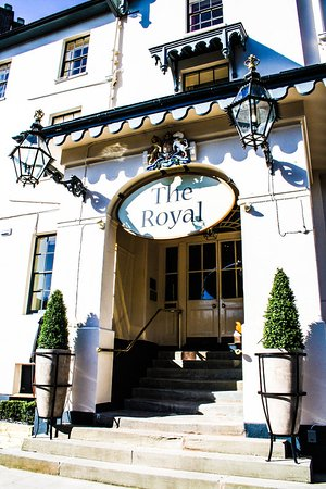 The Royal Hotel: Entrance