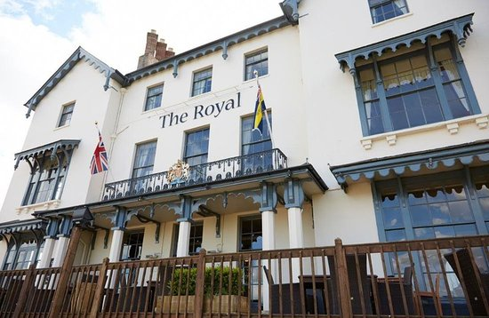 The Royal Hotel: Exterior