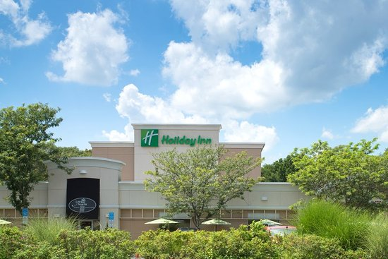 Easy highway access to the Holiday Inn South Kingstown