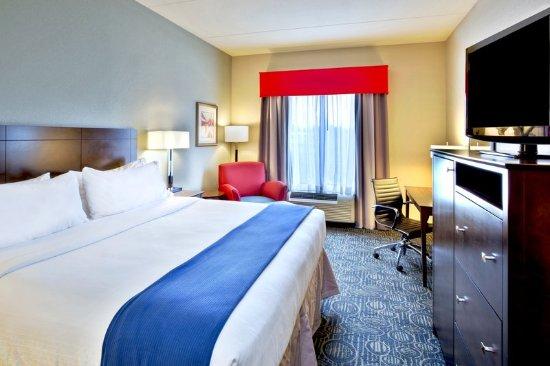 Oak Ridge, TN: ADA/Handicapped Standard King Guest Room