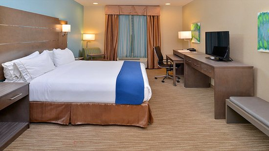 Schulenburg, TX: King Bed  Standard Guest Room
