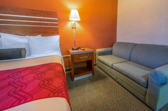 Econo Lodge Hermitage: Guest Room