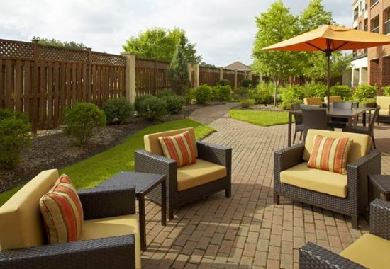 Stow, OH: Outdoor Courtyard