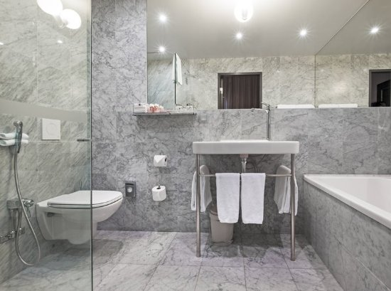 Nobis Hotel: One Bedroom Suite Bathroom
