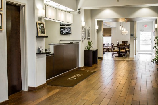 Sleep Inn & Suites: PALobby