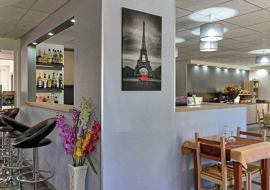 Les Mureaux, فرنسا: Restaurant