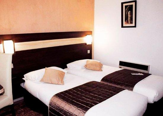 Les Mureaux, France: guest room