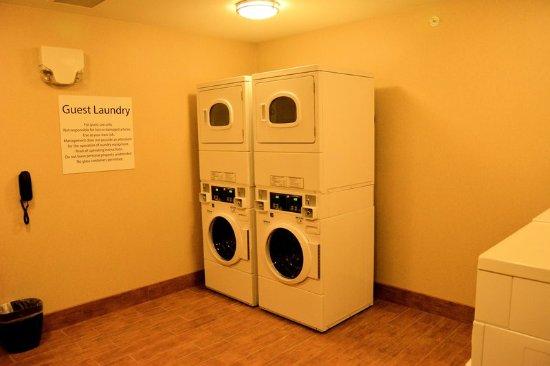 Glendive, MT: Laundry Facility
