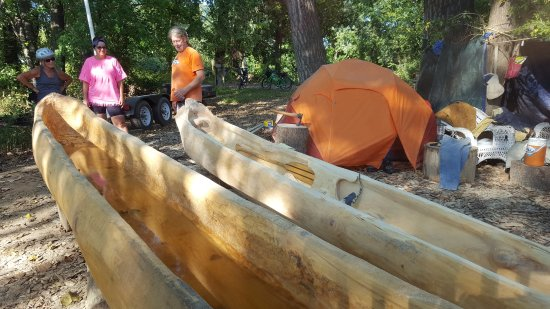 Boonville, MO: Hand-crafted canoes by Wm Clark's descendant.