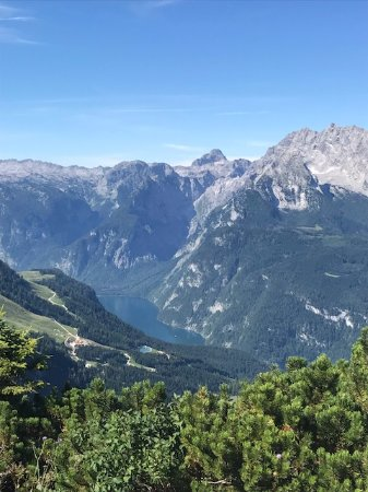 Eagle's Nest Historical Tours: Berchesgaden Kehlsteinhaus-Eagles Nest!!