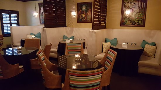 Maison Martinique Restaurant: Havana Nights Piano Bar