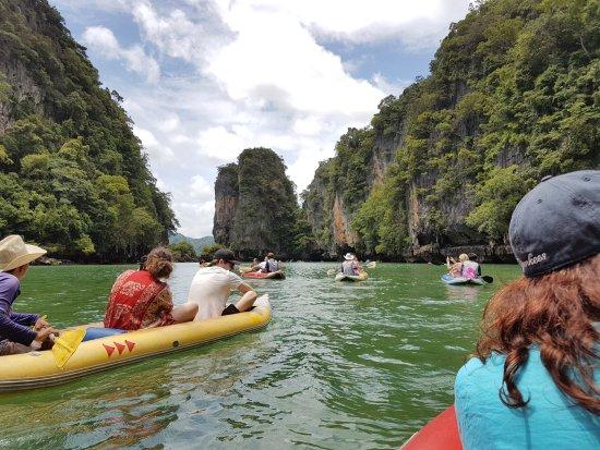 Phang Nga, تايلاند: Canoeing around the island