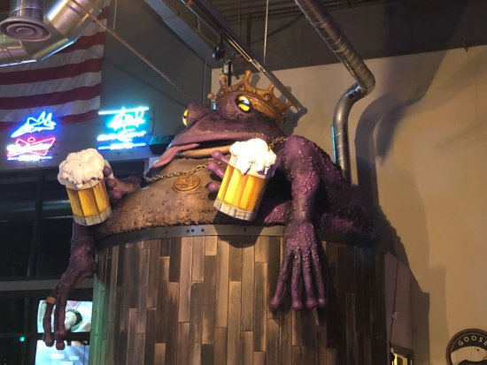 Peyton, CO: Inside the Purple Toad.