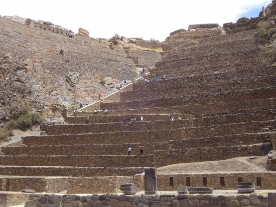 La Casa del Abuelo: The hotel is a couple minutes walk from the terracing of Ollantaytambo