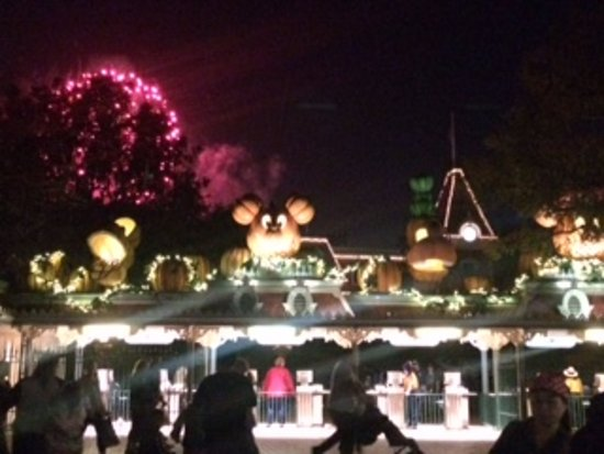 Anaheim Islander Inn and Suites: Fireworks