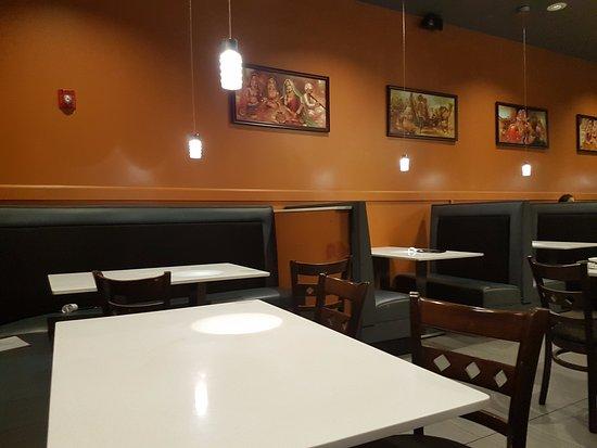 Centennial, CO: Spacious restaurant