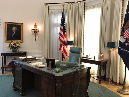 LBJs Oval Office Picture of LBJ Presidential Library Austin