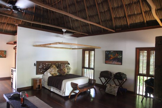 Turtle Inn: Luxurious and Spacious Private Bungalow