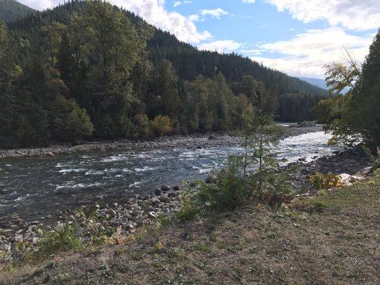 Kaslo, Canada: The River