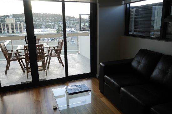 Bellerive, Australia: Living room and Balcony