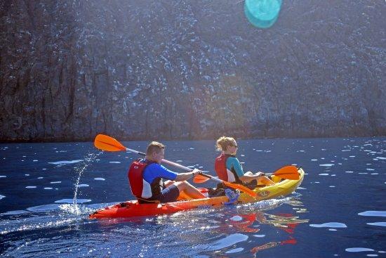 Práctica de kayak y canotaje