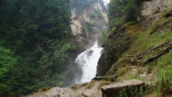 Rogers Pass, كندا: Der Wasserfall