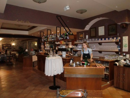 Kanfanar, Croatia: Schankraum Restaurant Viking