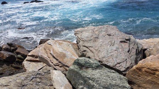 Centuri, Γαλλία: Bloc de schiste par les rochers
