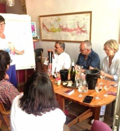 โวกีออต, ฝรั่งเศส: cours de dégustation dans le salon