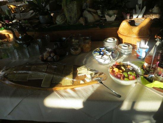 Eisenberg, Germany: Frühstücksangebot