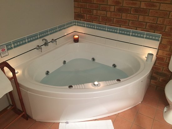 Avoca, Australia: King spa suite