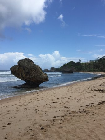 Bathsheba, Barbados: Beautiful bay with large rocky outcrops in the sea. Dangerous to swim so just admire the views.