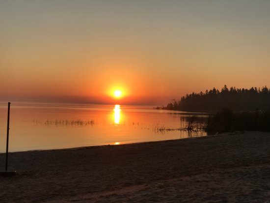 The Beach House: Morning sunrise