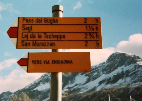 Silvaplana, İsviçre: Wanderzeichen: ENDIADINA-Weg