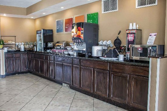 Comfort Inn & Suites: Breakfast Bar