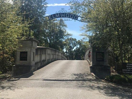 Elmwood Cemetery: photo3.jpg