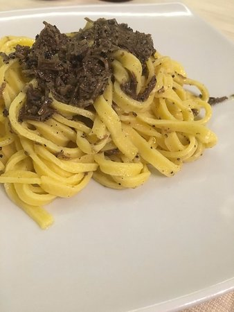 Cerreto di Spoleto, Włochy: Strangozzi al Tartufo