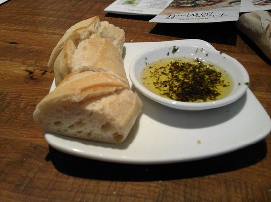 Pre-meal bread and olive oil - Picture of California Pizza Kitchen ...