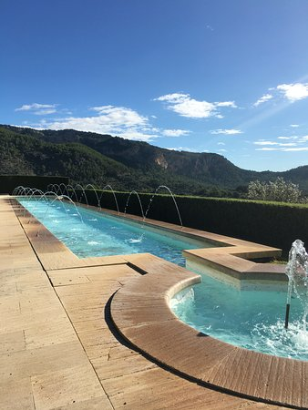 Puigpunyent, Spanien: The lower pool area