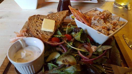 Shalfleet, UK: crab salad