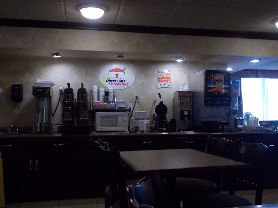 Super 8, Off I-90,, Erie, PA  VERY NICE BREAKFAST ROOM