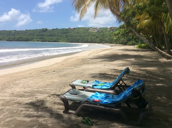 Saint David Parish, Grenada: We never saw more than half a dozen people on the beach.