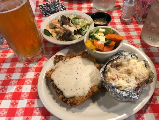 Granbury, Teksas: Chicken Fried Steak and Blood and Honey. Perfect!